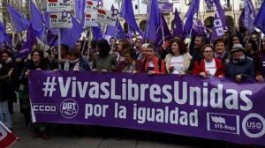 Las trabajadores se han concentrado a las 12.00 en la plaza del Mercado de Logroño