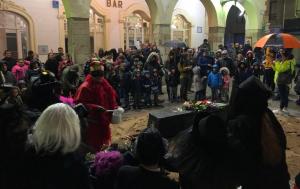 Lectura del testament del rei Carnestoltes a la plaça del Blat de Valls