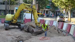 Obres de la nova rotonda a la plaça de Villaroel a Reus