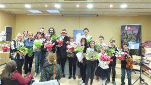 Participants en el Dia Mundial de la Poesia a Montblanc, a la Biblioteca Comarcal Conangla i Fontanilles.
