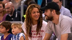 Piqué i Shakira van passar una divertida tarda en família al Palau Blaugrana