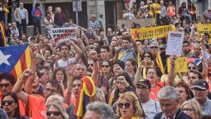 Reivindicació de la lluita de fa un any, a la plaça de l'1 d'octubre a Girona