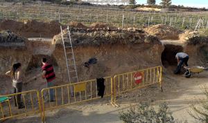 Treballs d'excavació al jaciment Mas Cap de Ferro