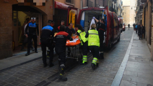 Una persona ha resultado herida de gravedad al caerle encima un objeto, trabajando en Pamplona