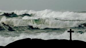 Viento huracanado y olas gigantescas este jueves en las costas del norte de Galicia