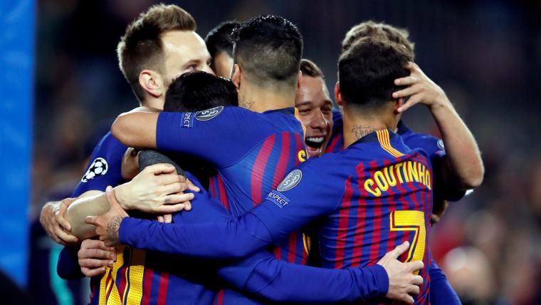 Els jugadors del Barça celebren el gol de Coutinho contra el Lió.