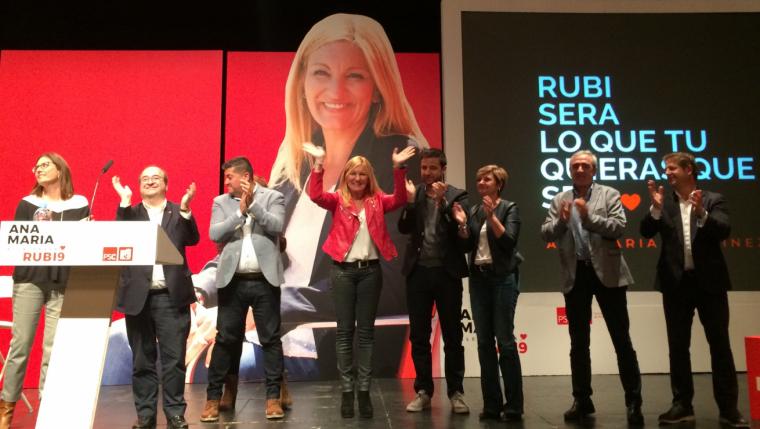 Final de l'acte de presentació de la candidata socialista Ana María Martínez