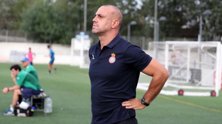 Moisés Hurtado, durant un entrenament del Juvenil A de l'Espanyol.