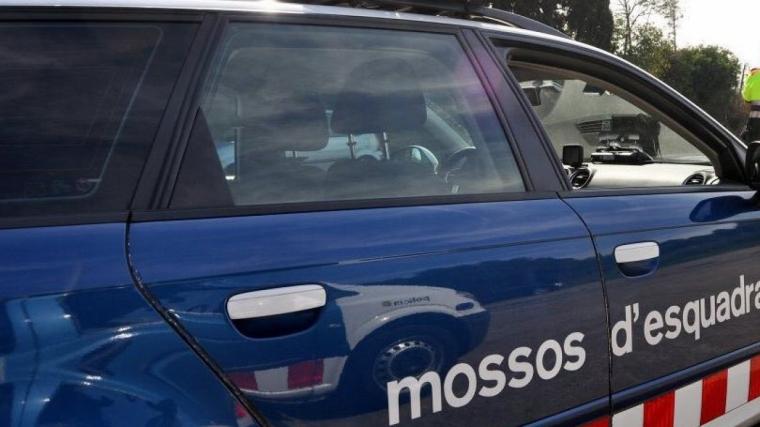 Els Mossos d'Esquadra van detenir un home per entrar amb un matxet a un centre de menors estrangers