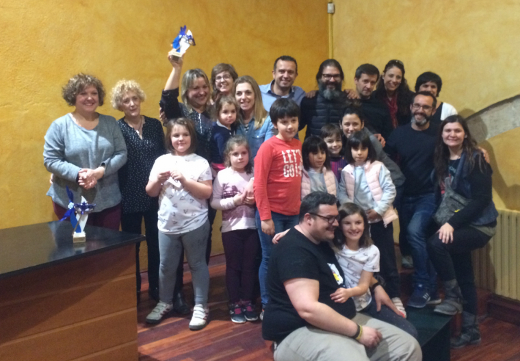 Representants de Torrecarrils de la Llebre, la comparsa guanyadora