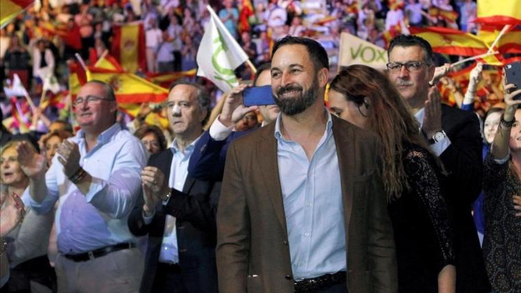 El líder de VOX, Santiago Abascal, durant un míting