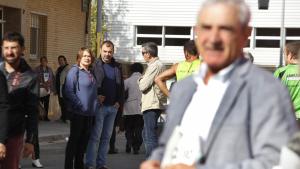 Alfredo Vega, d'esquenes a Jordi Ballart