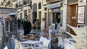 Cinc dotacions dels Bombers han treballat en l'incendi de la Plaça de la Font de Tarragona