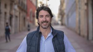 El candidat de Ciutadans per Tarragona, Sergio del Campo, al carrer Méndez Núñez de Tarragona.
