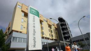 El hombre fue operado de urgencia en el Hospital Virgen de la Victoria