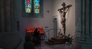 El Sant Crist de la Creu a la capella que ocupa a l'església de Sant Joan