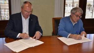 Firma del conveni de col·laboració entre l'Ajuntament de Reus i el Centre de Lectura per ampliar la seva seu