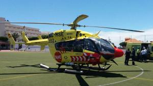 Helicóptero y ambulancia del Servicio de Urgencias Canario (SUC)