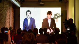 Imatge agafada durant la videoconferència entre Carles Puigdemont i Jordi Sànchez