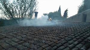 Imatge de l'incendi en una masia a la Vespella de Gaià