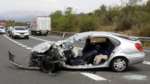 Imatge del vehicle on viatjava la víctima mortal de l'accident a l'N-340, al Perelló
