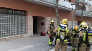 Imatge dels Bombers, al lloc dels fets, al carrer Mercè Rodoreda de Tarragona