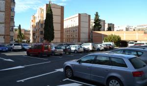 Ja s'ha posat en servei la nova zona d'aparcament al carrer de Sor Lluïsa Estivill