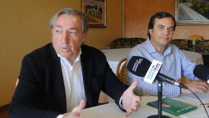 Jordi Sánchez i Joan Carles Robert, presentant la candidatura d'Amunt Calafell (AC).