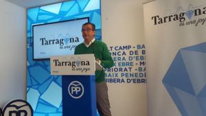 José Luís Martín, alcaldable popular per Tarragona, durant l'atenció als mitjans a la seu del PP.