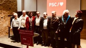 Juanma Cabello, alcaldable del PSC a les eleccions municipals 2019 a Montblanc, acompanyat de Miquel Iceta i d'altres membres del partit.