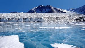 La glacera de Solheimajokull contamina molt