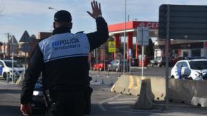 La Policia Local de Torredembarra va poder detenir l'home, que tenia diversos antecedents per estafa.