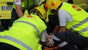 Las asistencias tratan de reanimar a los heridos