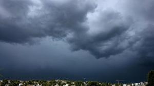 Núvols negres de tempesta avui al Penedès