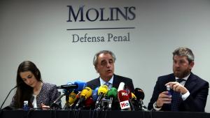 Pau Molins, Andrés Maluenda i Beatriz Goena, durant la roda de premsa posterior a l'absolució de Rosell.