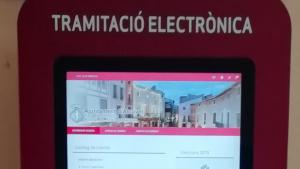 Quiosc multimèdia d'Alcover per fer tramitacions electròniques.