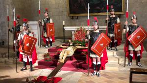 Repartiment dels misteris i vetlla del Sant Crist de la Sang de Montblanc