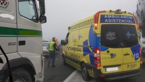 Un hombre ha tenido que ser trasladado hasta el hospital a causa del accidente