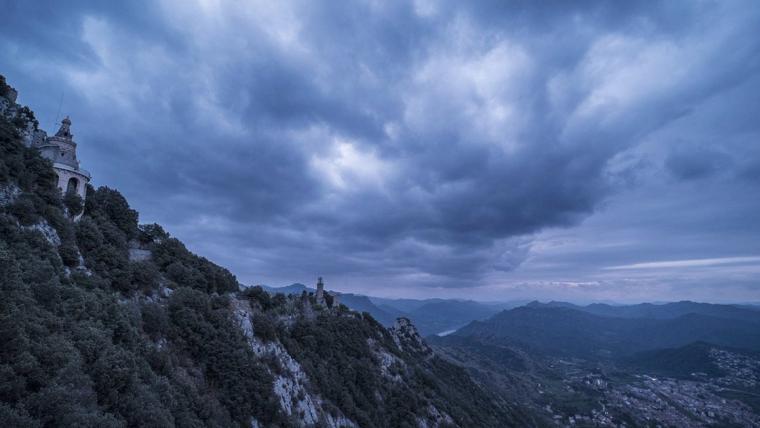 Els núvols continuaran abundants aquest dilluns però s'esperen ruixats mal repartits