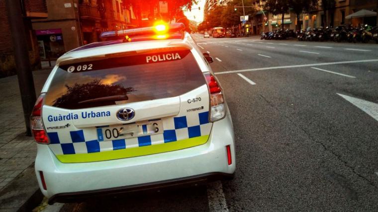 Una patrulla de la Guàrdia Urbana va trobar la víctima després de la presumpta agressió