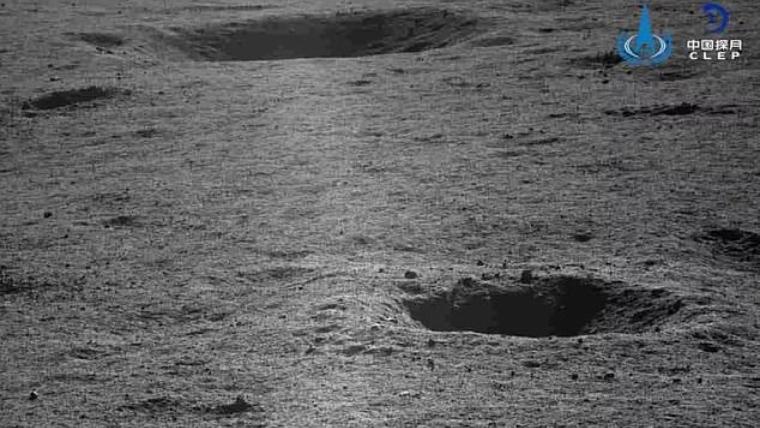 Los pequeños cráteres que el rover ha fotografiado cerca de la zona de aterrizaje