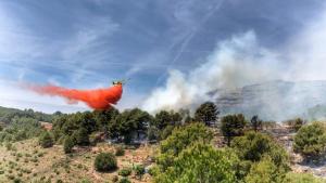 A Cornudella, diverses dotacions aèries han treballat en l'extinció de l'incendi