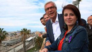 Adriana Lastra, i Josep Fèlix Ballesteros a la passarel·la del Miracle