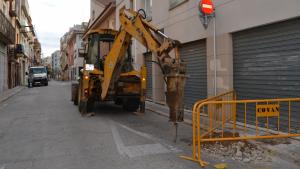 Aquest dilluns, 8 d'abril, han començat les obres de remodelació del carrer Alt de Sant Pere