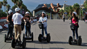 Barcelona prohibeix els patinets i 'segway' de lloguer a Ciutat Vella durant l'estiu