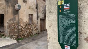 Cartell que explica la història de Prenafeta, pedania de Montblanc.