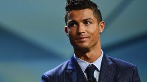 Cristiano Ronaldo ha declarat als jutjats i s'ha amagat en sortir de l'edifici per evitar la premsa.