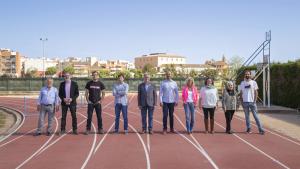 Deu dels onze candidats a l'alcaldia de Torredembarra es fan la fotografia de campanya de BaixGaiàDiari.cat