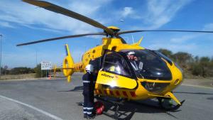 Dos hombres han resultado heridos de gravedad en un accidente de tráfico en la N-121