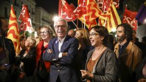 El candidat socialista, Josep Fèlix Ballesteros, al centre de la imatge, aspira a la reelecció per tercera vegada.